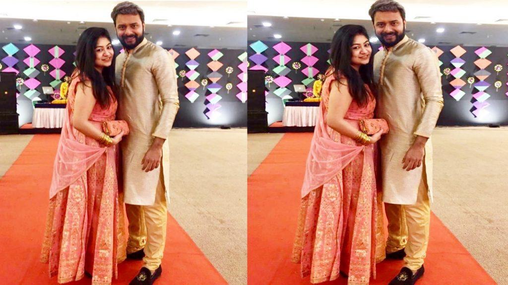 Chandrakiran Chowdhury aka Indrasish with girlfriend Souravi